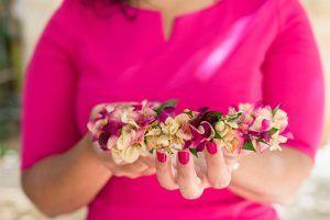 taller de coronas con flores preservadas