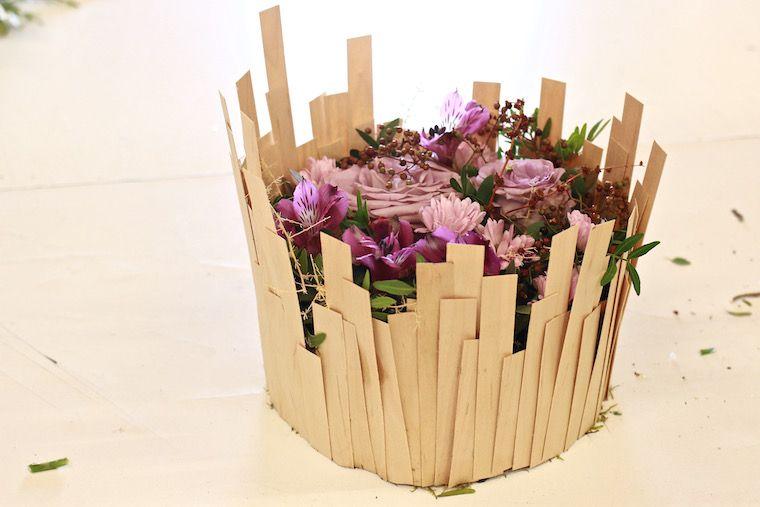 Arreglo floral con soporte de medicina