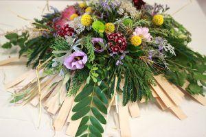 arreglo floral con base personalizada con midelina