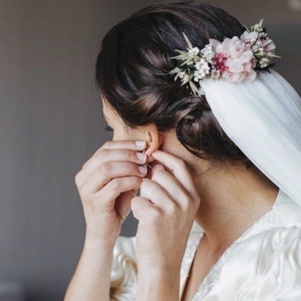 Mary-prendido-trasero-con-flores-preservadas-rosa-pastel00002