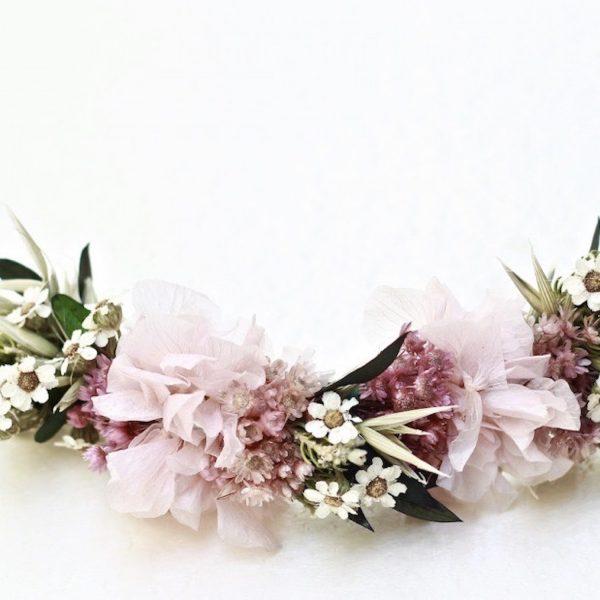 Mary-prendido-trasero-con-flores-preservadas-rosa-pastel00001