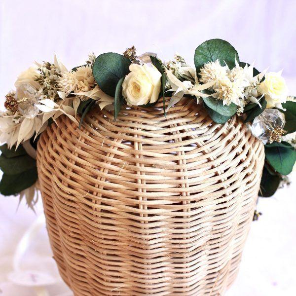 Cristal Corona con rosas preservadas color marfil