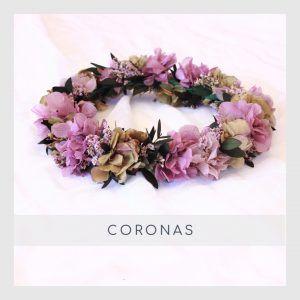 Coronas con flores preservadas