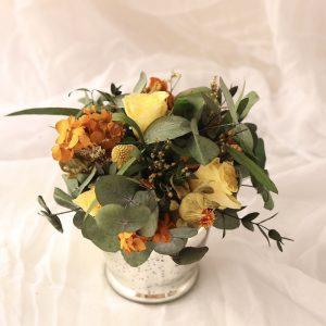 Jarrón con flores preservadasocre es un producto 100% hecho a mano
