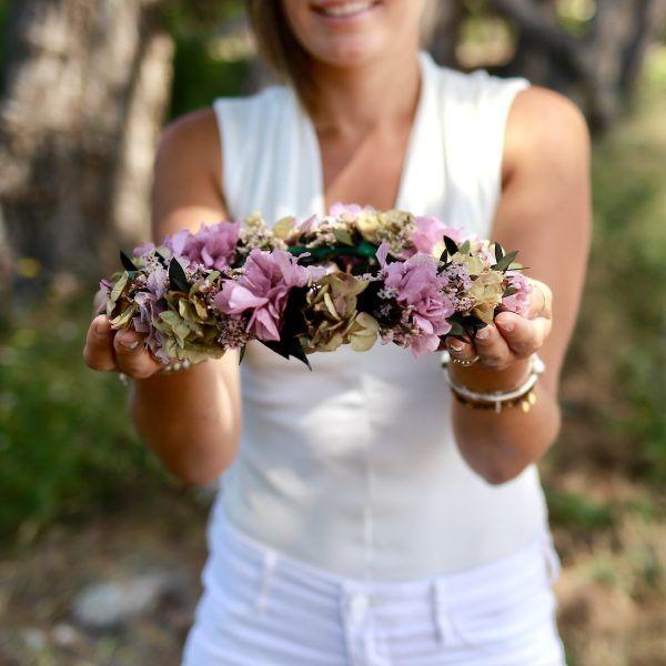 corona con flores preservadas lila 6