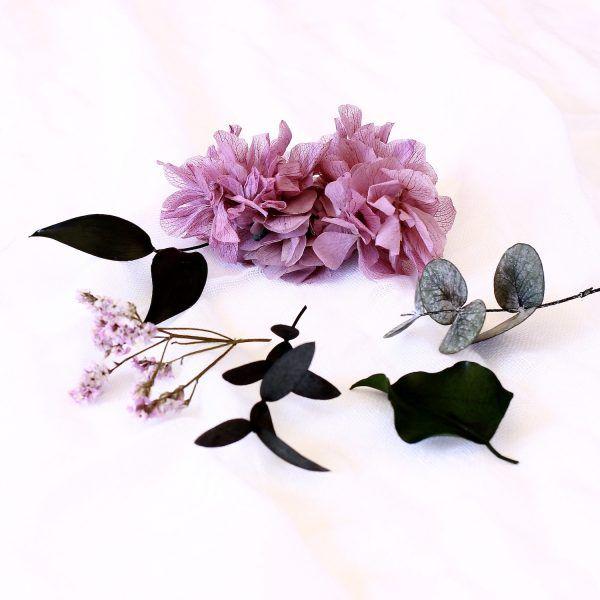 corona con flores preservadas lila 8