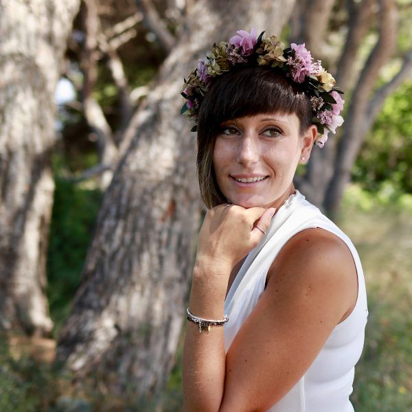 corona con flores preservadas lila 10