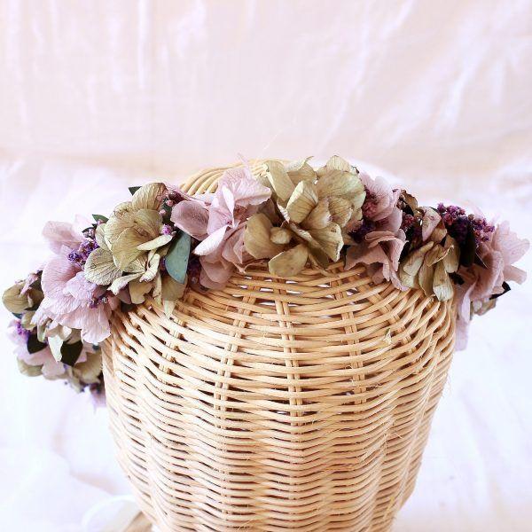 corona con flores preservadas lila 12