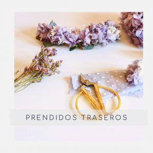 Tocados y prendidos traseros con flores preservadas