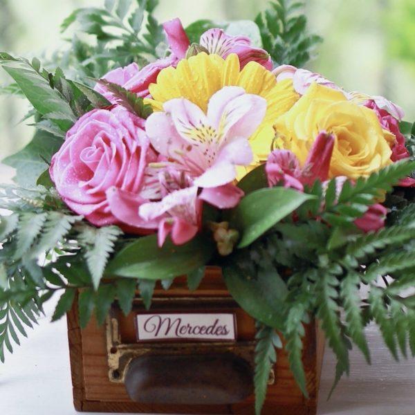 taller floral de centros y arreglos con flores naturales