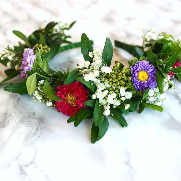 taller de coronas y diademas con flores naturales00012