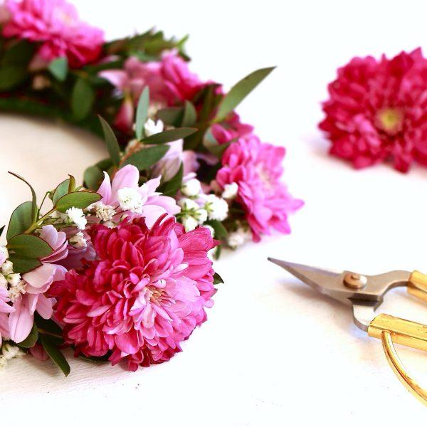 taller de coronas y diademas con flores naturales00013