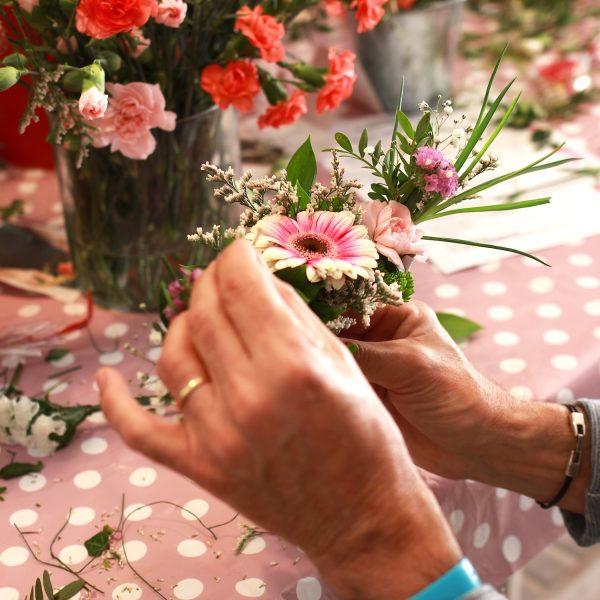 taller ramo de mano con flores naturales