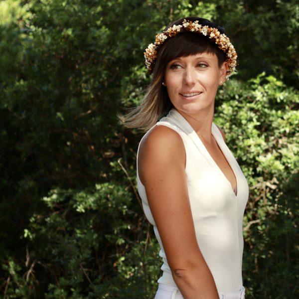 corona con flores preservadas marfil 6