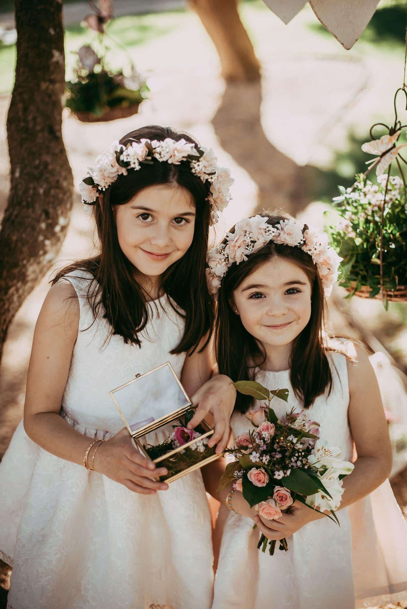 Coronas y complementos con flores para eventos. coronas infantiles y de novia. exquisitae