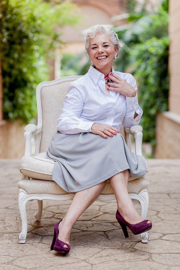 Mercedes Pascual florista profesional. el alma de Exquisitae.Especializada en eventos y en la creacion de complementos florales personalizados con flores naturales y preservadas