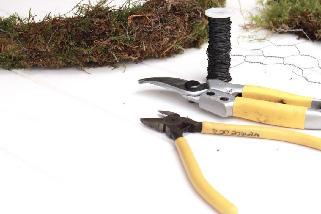 corona de navidad artesanal herramientas